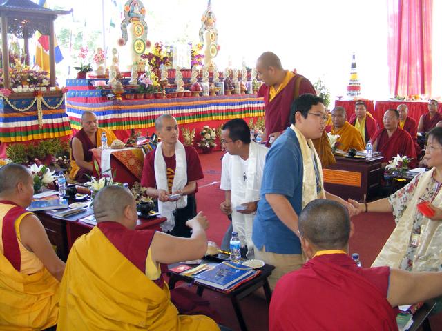 Donasi untuk Sangha