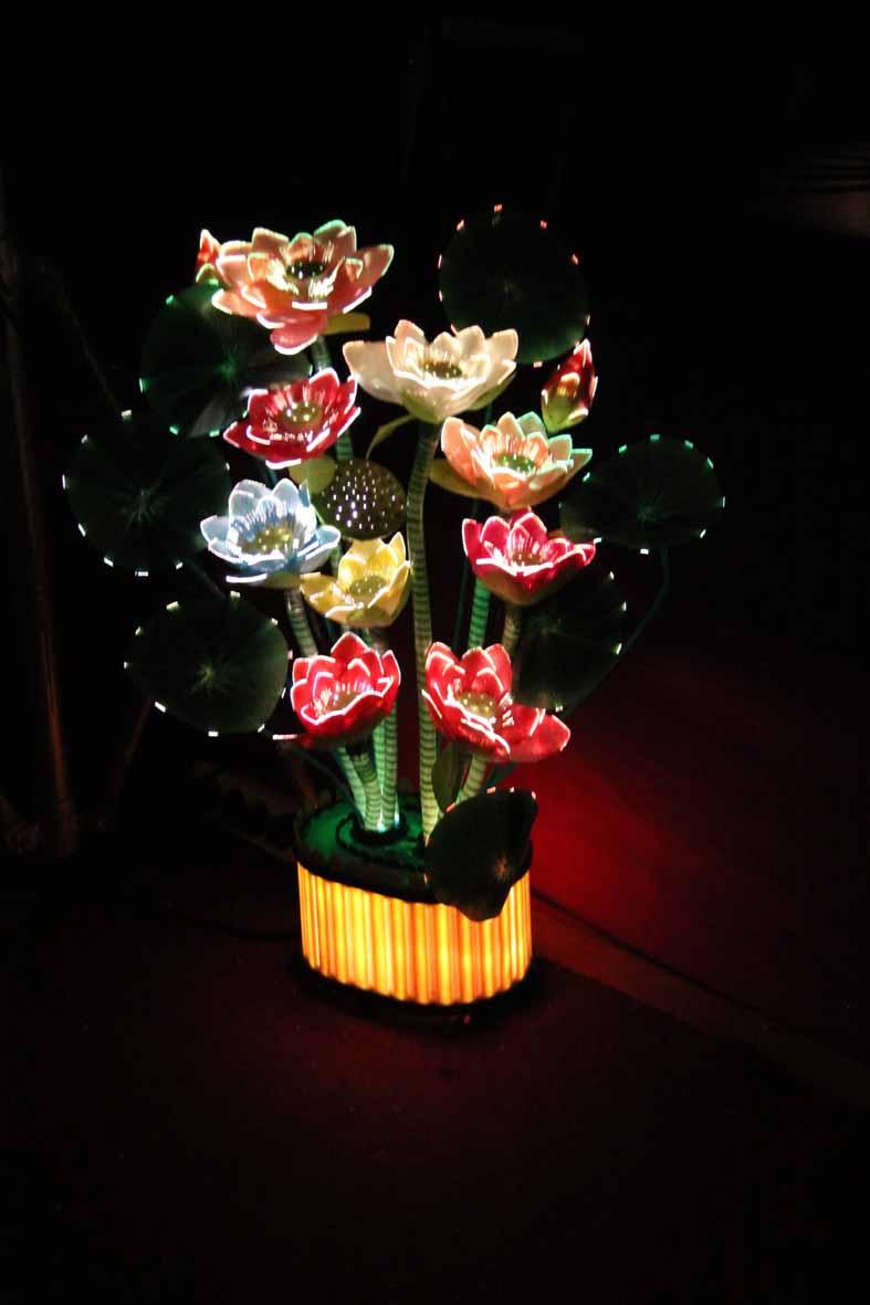 Persembahan lampu bunga teratai