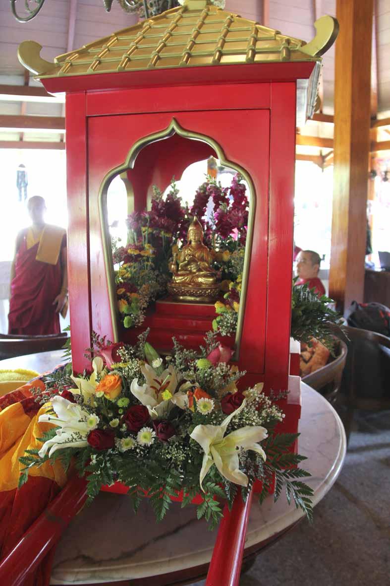 Tandu prosesi Atisha