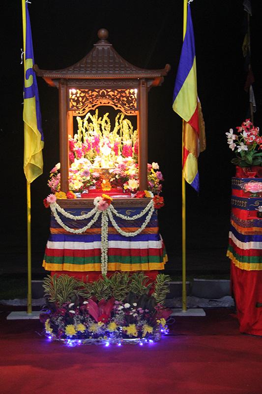Bathing Buddha Altar with the flower