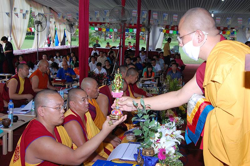 Blessing eight auspicious symbol