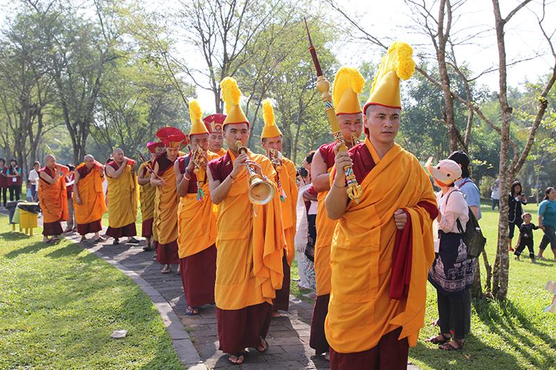 Kangyur procession