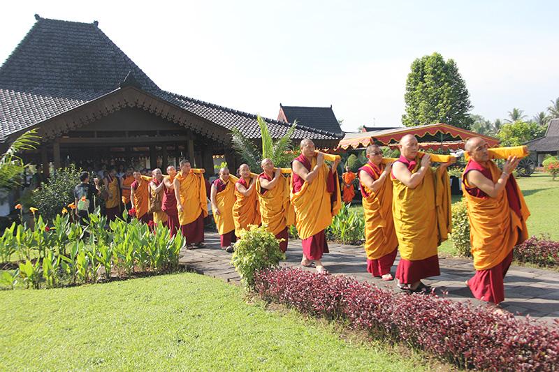 Kangyur-procession