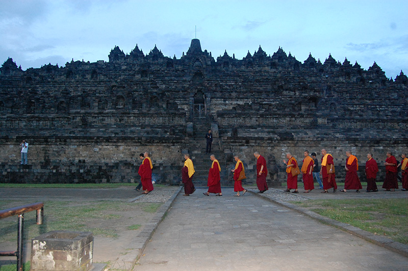Kora at Borobudur temple