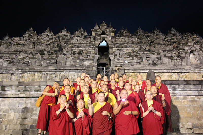 Sangha do Lamp offering in the Borobudur Temple
