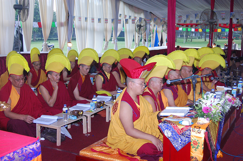 Sangha do the puja