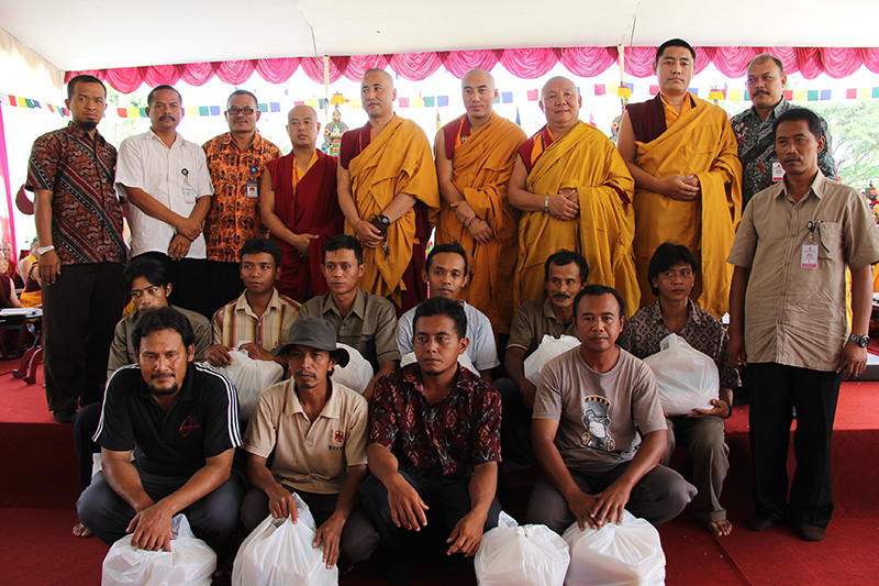 Sangha, goverment in charge and mendicant