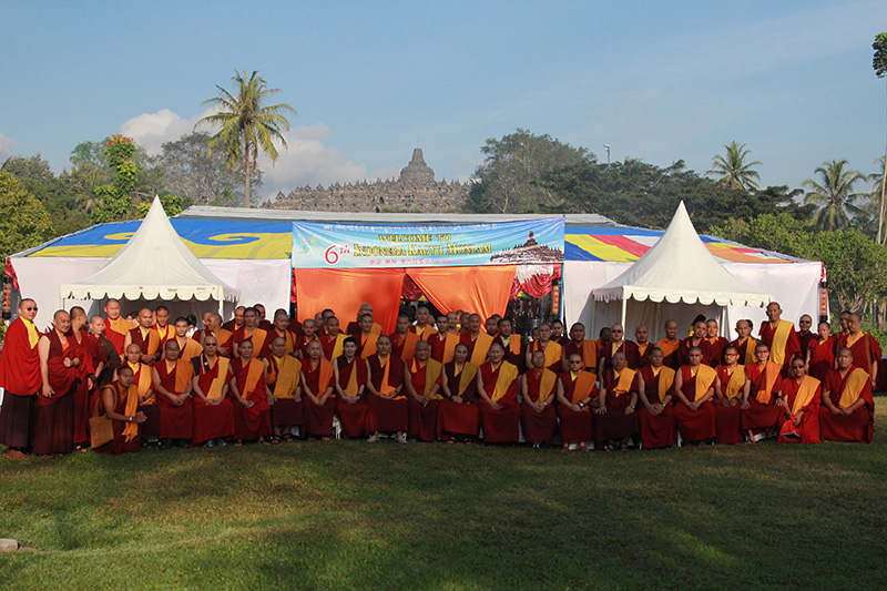 Sangha who join 6th kagyu monlam