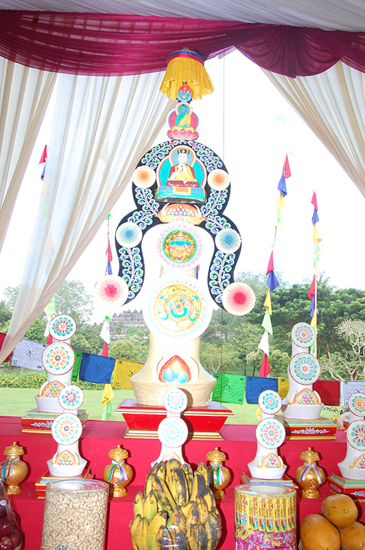 Torma at the altar (Dusum-Khenpa)