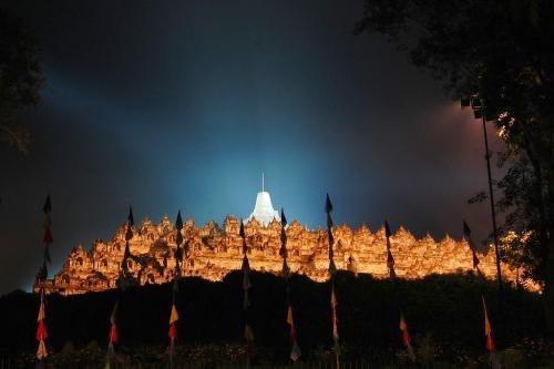 Borobudur when Monlam Prayer