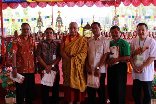 Gyaltsen Rinpoche with goverment in charge and Mr. welly  Karlan